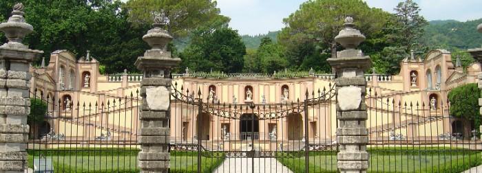 Palazzo dei conti Bettoni
